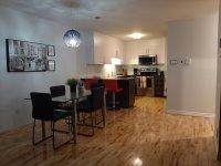 Condo rénové 4 1/2 TOUT ÉQUIPÉ près d'un métro (condo for rent) - Magnifique condo (style appartement) entièrement meublé et équipé disponible dès le 1er juin pour location à moyen/long terme