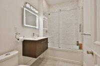 Bel appartement 4 1/2 A 800 Par mois Situer 5602 Rue Saint-Urbain, Plateau Mont-Royal,Montreal  - Tous les appareils / laveuse et sécheuse 4 chambres - 1 salle de bain Magnifiquement rénové, quatre grandes chambres. Cuisine sur mesure avec îlot. Sé