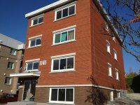 Grand 5 1/2 rénové chauffé eau chaude incluse 3e étage - Beau et Tres grand et rénové 5 1/2 chauffé eau chaude incluse .