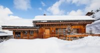 Chalet de luxe  - Le Chalet se situe au coeur de la station   de Méribel du village mythique de sports   d'hiver, à seulement 500 mètres du départ   des pistes, du Parc