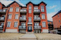 2 bedrooms luxurious corner condo with Private Backyard at Bois-Franc - Luxury Condo in the heart of Bois Franc