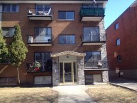 renovated, bright 4 1/2 for rent, available now. - renovated, spacious 4 1/2 for rent, available now